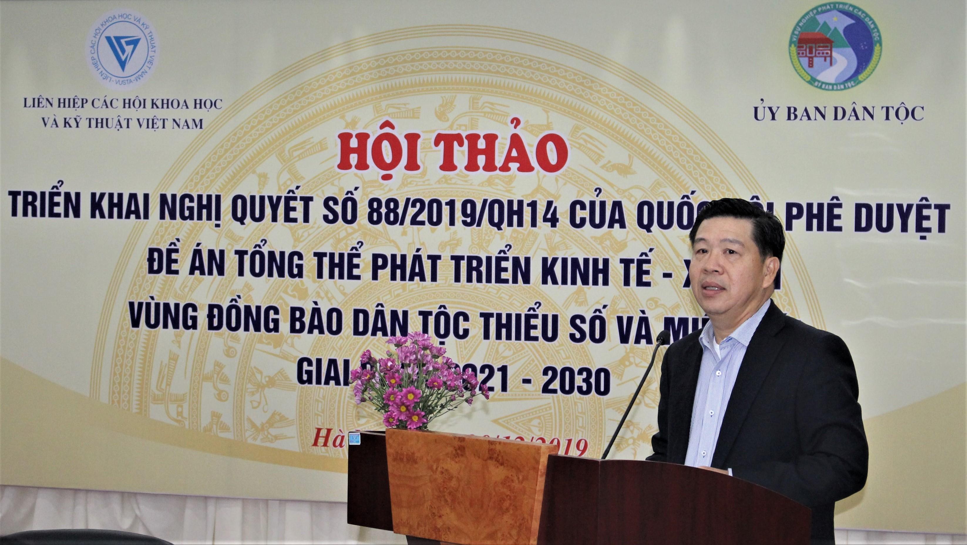 Thứ trưởng, Phó Chủ nhiệm UBDT Lê Sơn Hải phát biểu tại Hội thảo