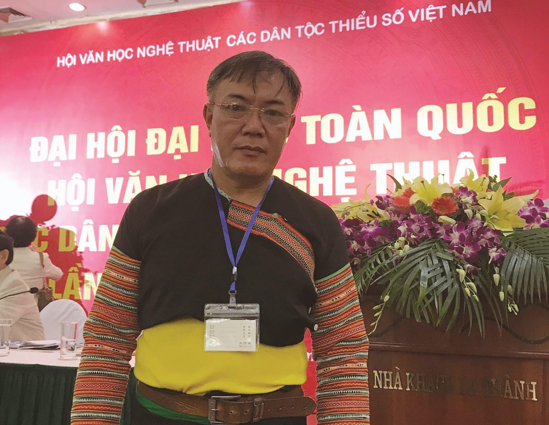 Nhạc sĩ Lầu A Sa tại Đại hội Đại biểu toàn quốc Hội Văn học Nghệ thuật các DTTS Việt Nam lần thứ VI, nhiệm kỳ 2019 - 2024