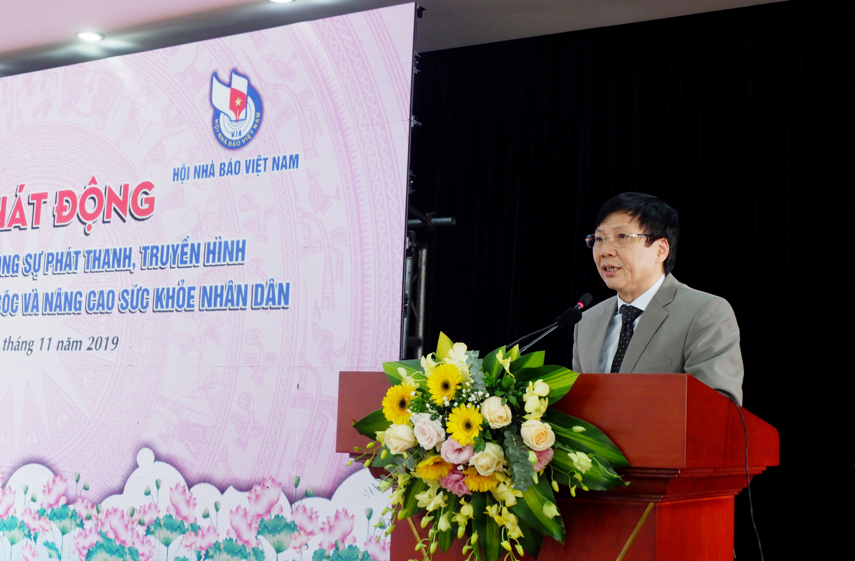 Ông Hồ Quang Lợi, Phó Chủ tịch Thường trực Hồi Nhà báo Việt Nam phát biểu phát động cuộc thi