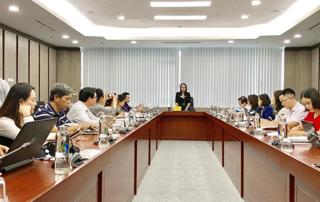 Thứ trưởng, Phó Chủ nhiệm UBDT Hoàng Thị Hạnh, Phó Trưởng Ban Chỉ đạo Lễ Tuyên dương phát biểu tại buổi họp báo