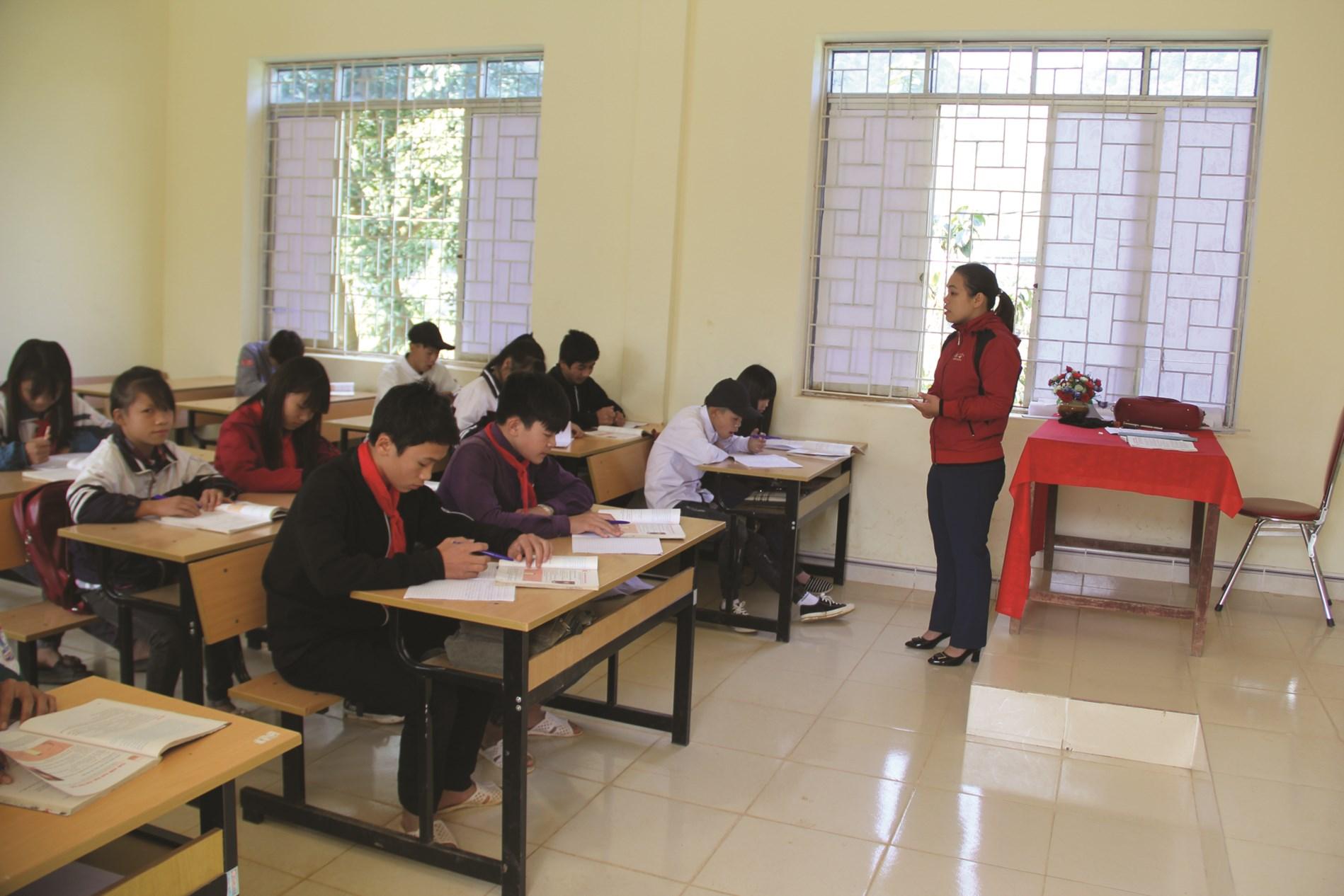 Cơ sở vật chất giáo dục cho vùng DTTS và miền núi ngày càng được quan tâm.