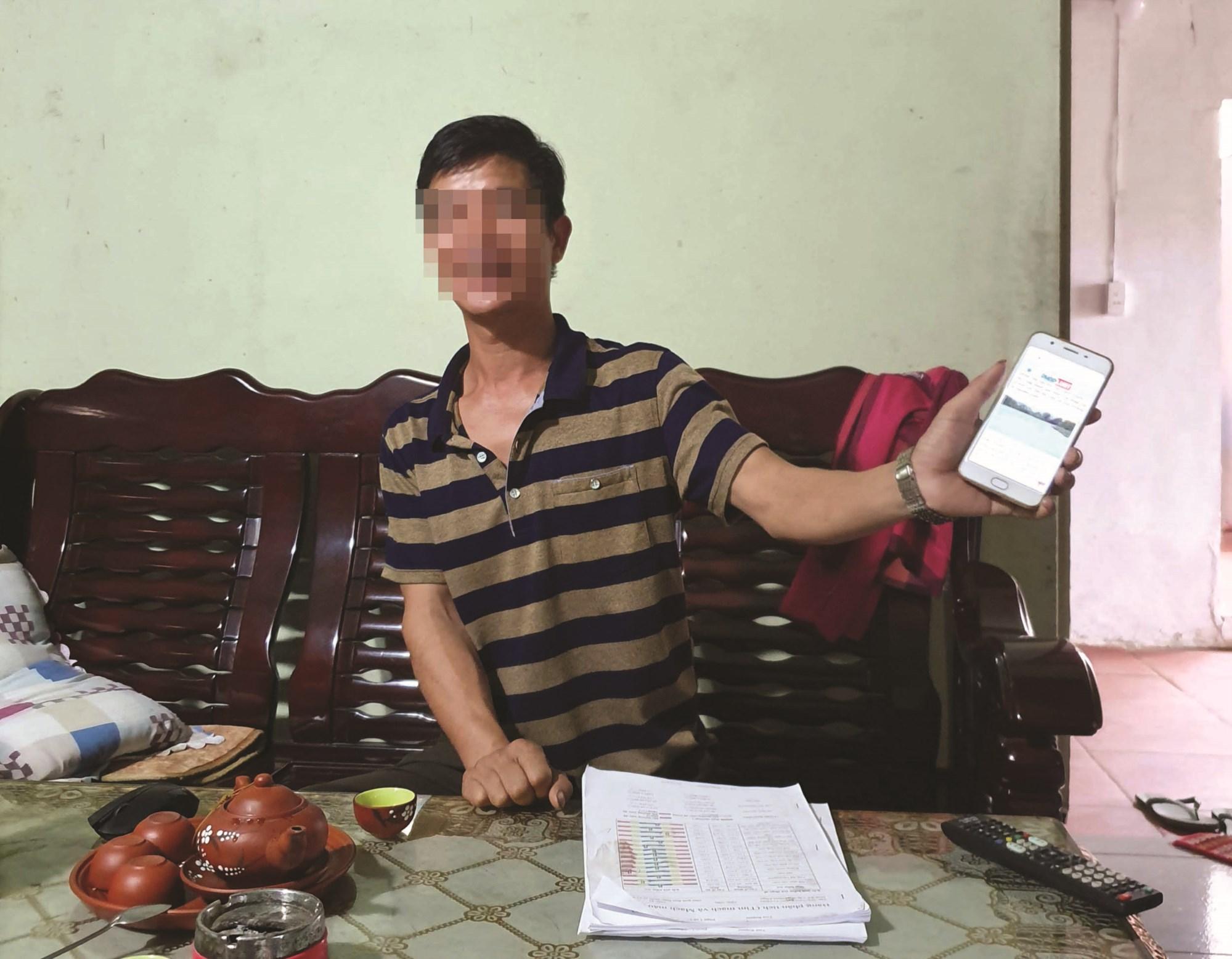 """Anh M, nạn nhân bị """"cò"""" lừa mua đất xen kẹt chia sẻ với phóng viên."""