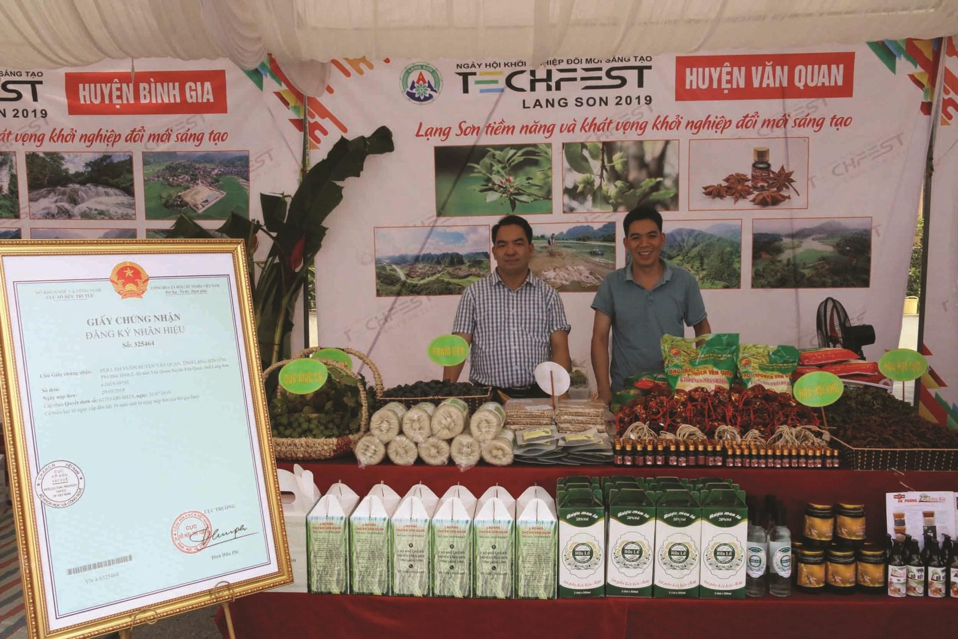 Các sản phẩm từ hồi của huyện Văn Quan được tỉnh hỗ trợ đăng ký nhãn hiệu tập thể.