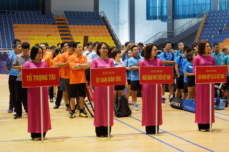 Đoàn vận động viên UBDT tham gia giao lưu thể thao