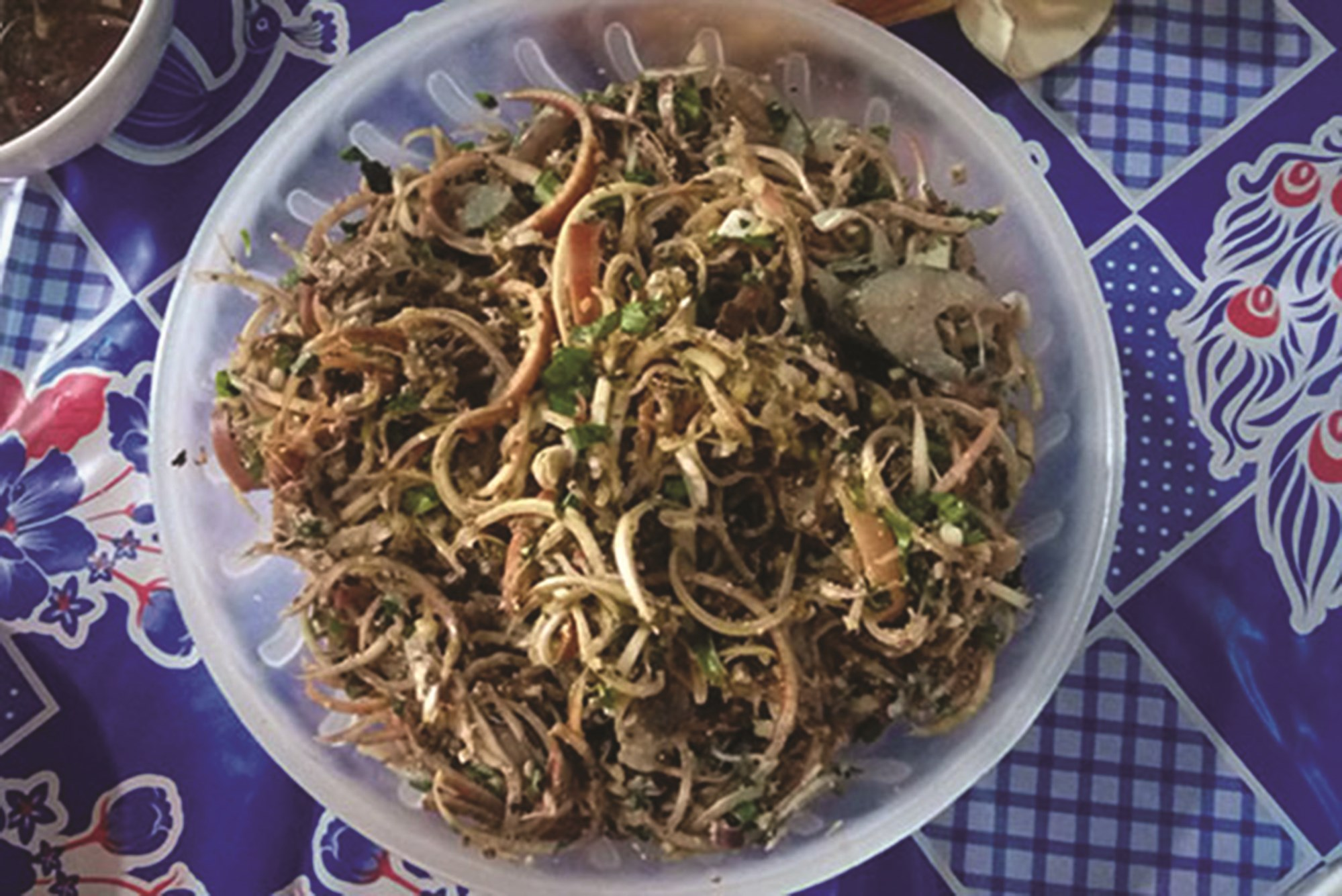 Gỏi cá - món ăn đặc sắc của dân tộc Thái.