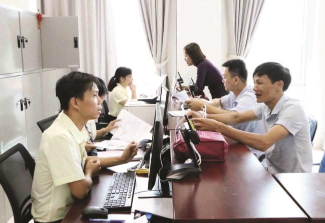 Trung tâm Phục vụ hành chính công tỉnh Lai Châu luôn lấy sự hài lòng của người dân và doanh nghiệp làm thước đo hiệu quả công việc.