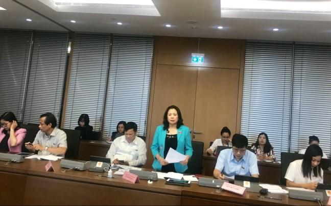 Các đại biểu Quốc hội thảo luận tại tổ chiều ngày 22/10/2019.