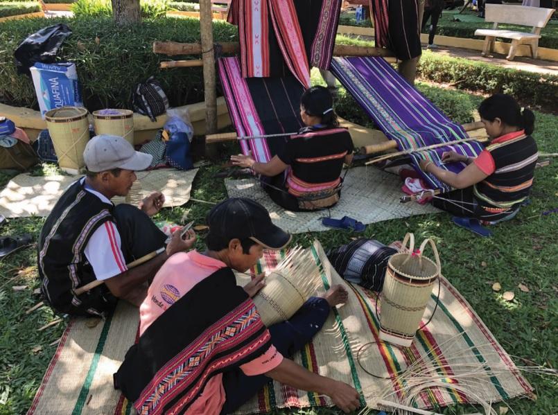 Từng được xem là niềm tự hào của cộng đồng người Ê-đê nhưng nghề dệt thổ cẩm ở Ninh Tây đang dần mai một.
