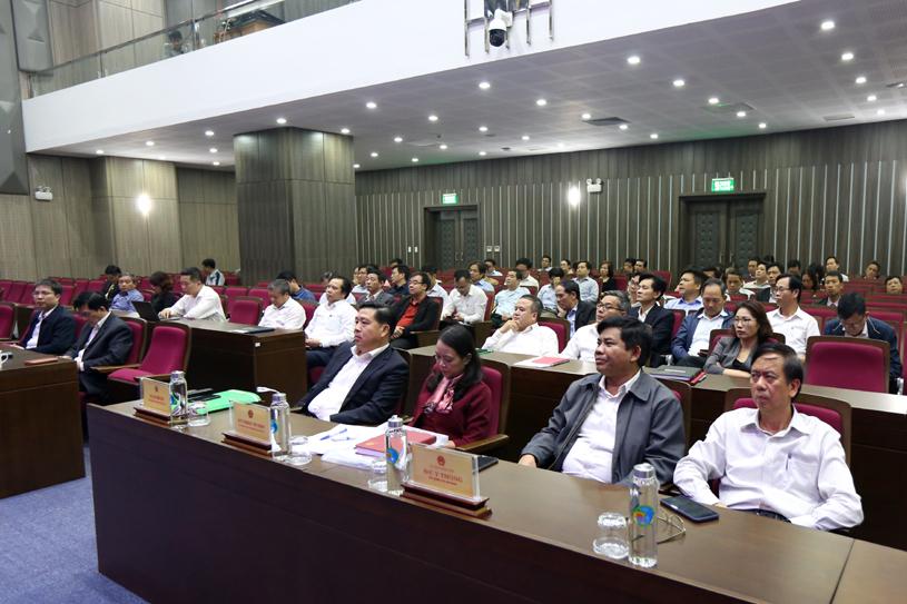 Các đồng chí lãnh đạo Ủy ban, lãnh đạo các Vụ, đơn vị tham dự Hội nghị