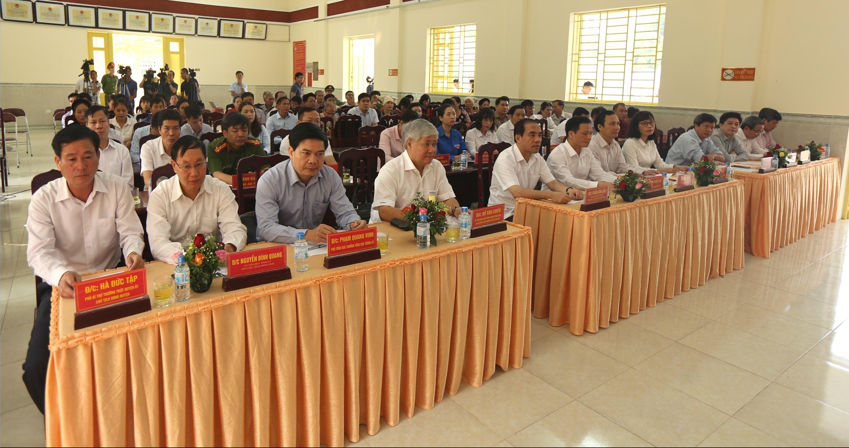 Các đại biểu tham dự Lễ ra quân. Các đại biểu tham dự Lễ ra quân.