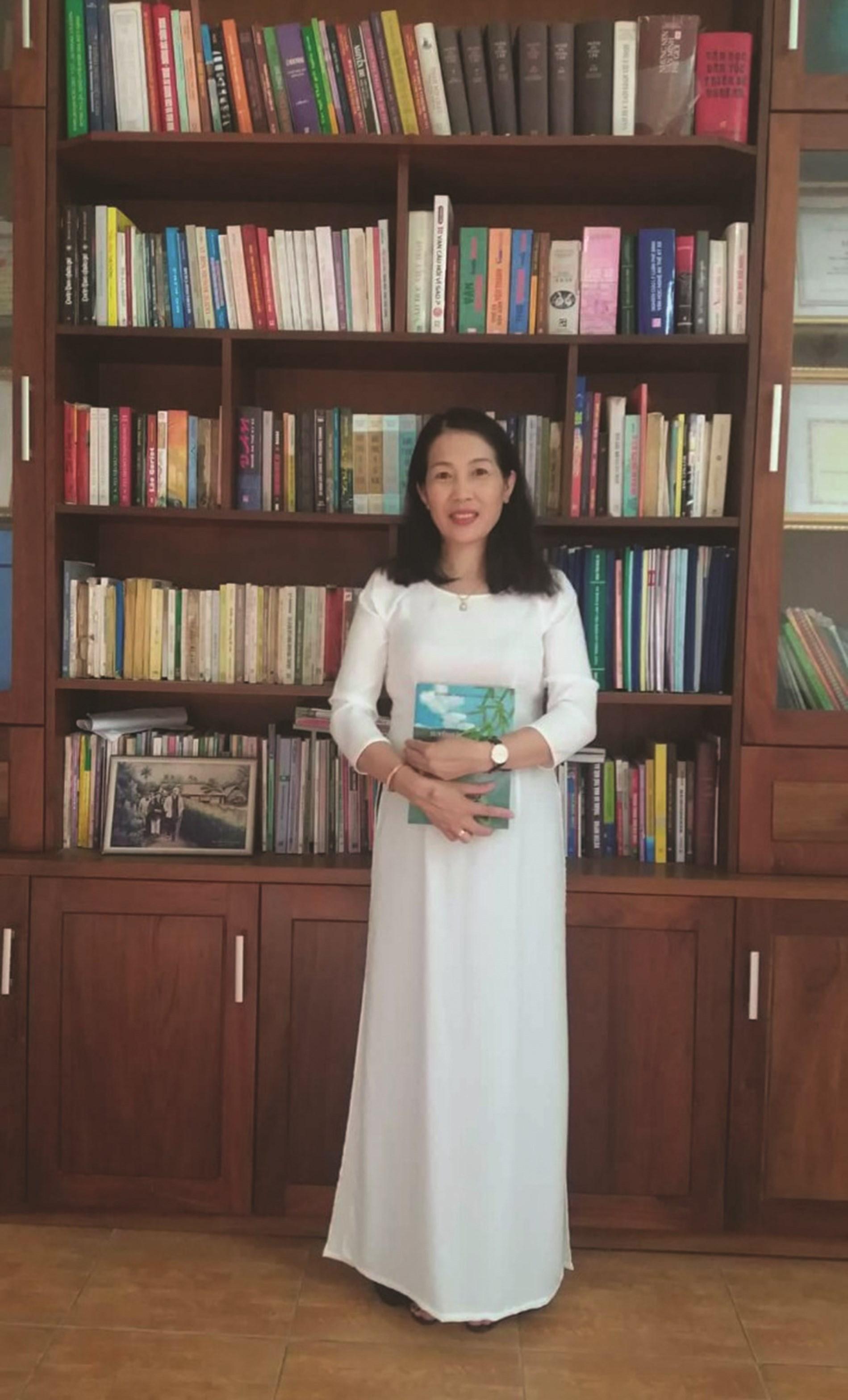 Cô giáo Trần Thị Thảo Trường PTDTNT số 1 tỉnh Nghệ An.