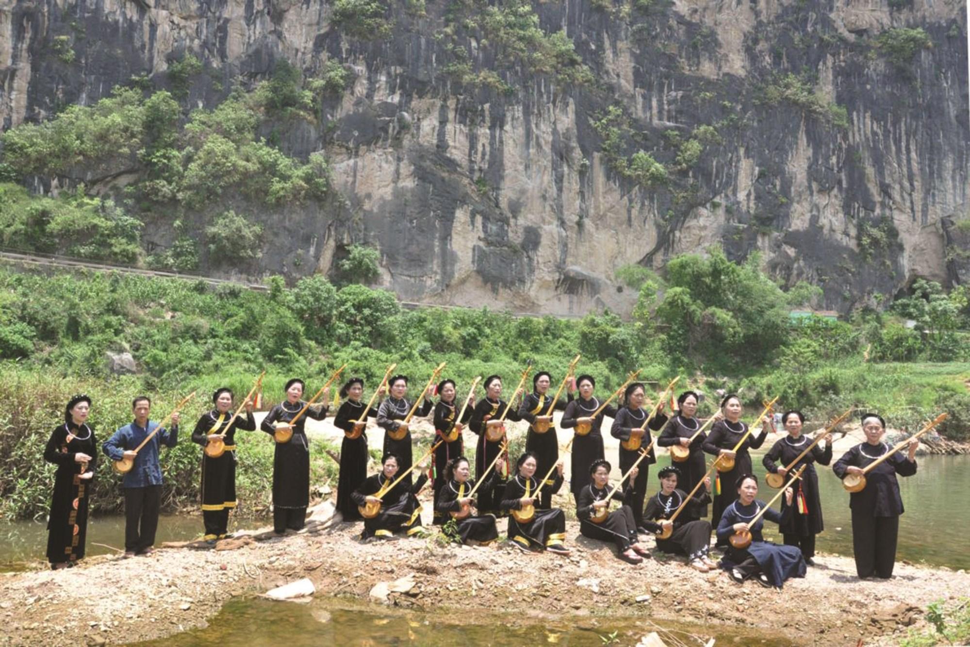 Bản sắc văn hóa của đồng bào DTTS ở Cao Bằng được bảo tồn, phát huy.