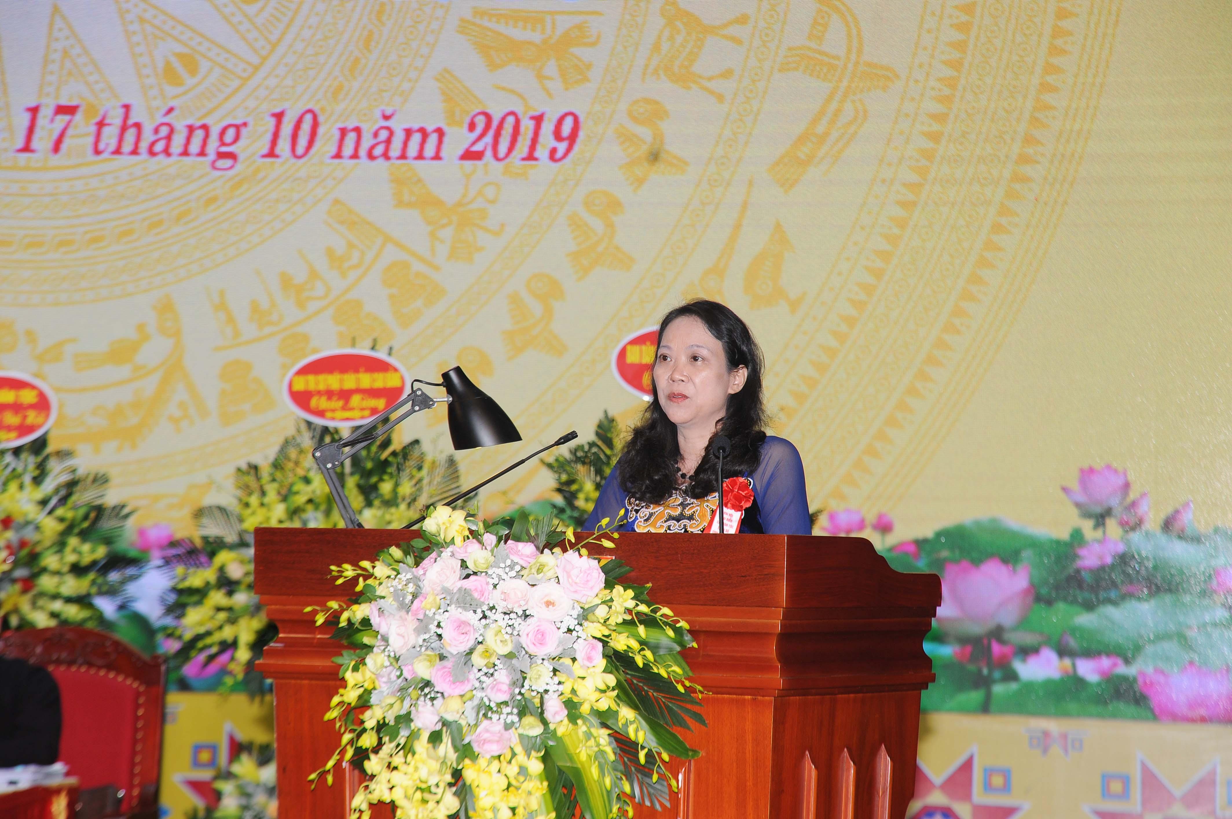 Thứ trưởng, Phó Chủ nhiệm UBDT Hoàng Thị Hạnh phát biểu tại Đại hội