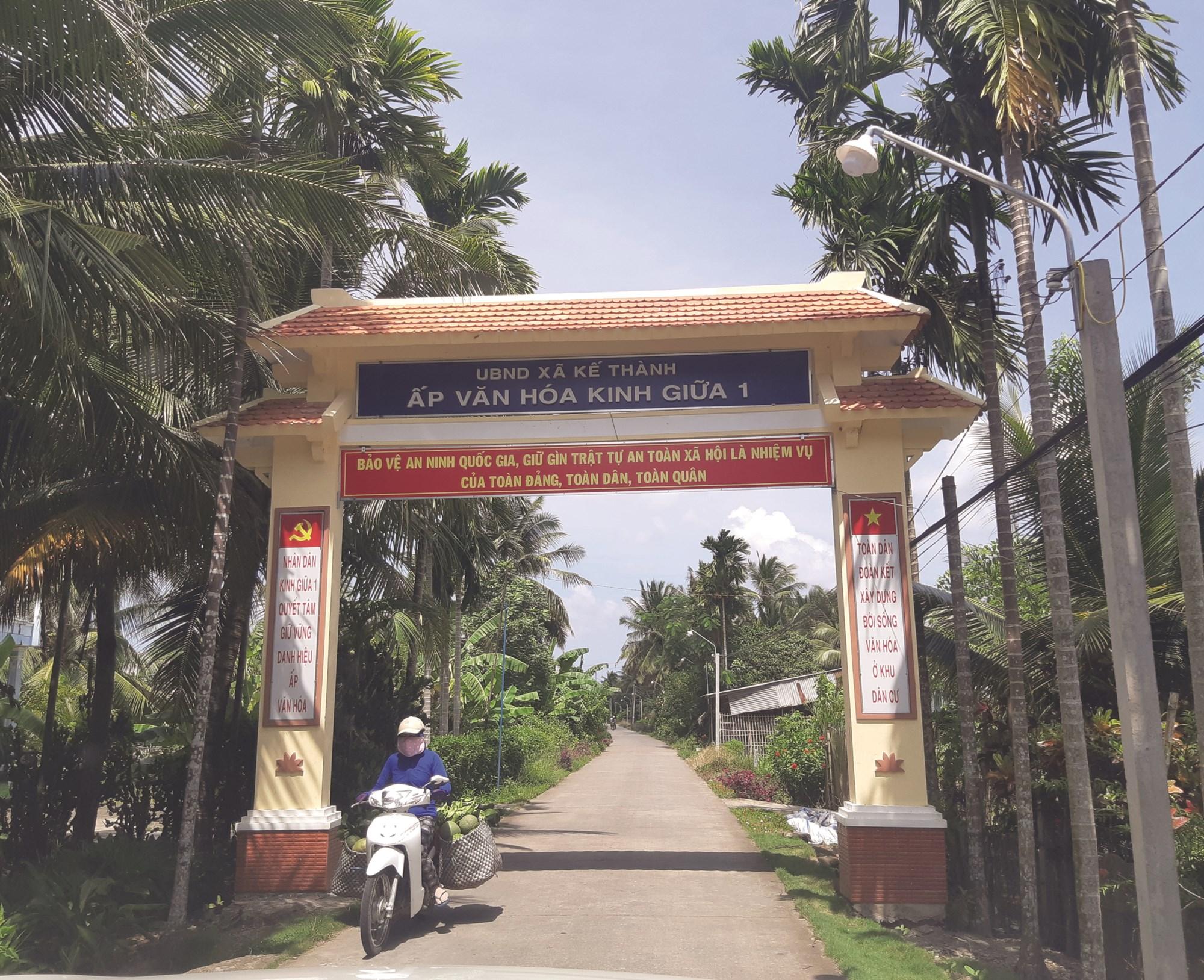 Đường giao thông vào xã Kế Thành được đầu tư theo chuẩn NTM.