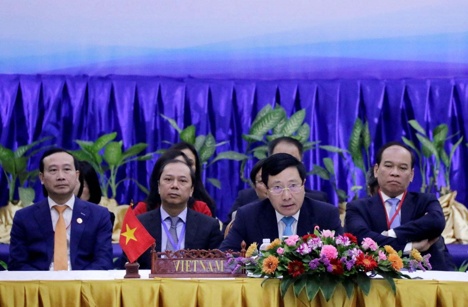 Phó Thủ tướng Phạm Bình Minh phát biểu tại Hội nghị đặc biệt Hội đồng Điều phối ASEAN. Ảnh: Bộ Ngoại giao