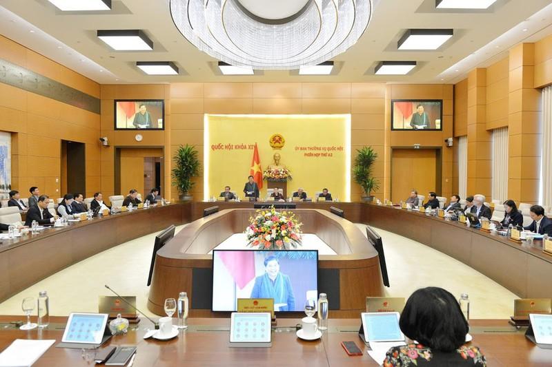 Phiên họp 42 của Ủy ban Thường vụ Quốc hội