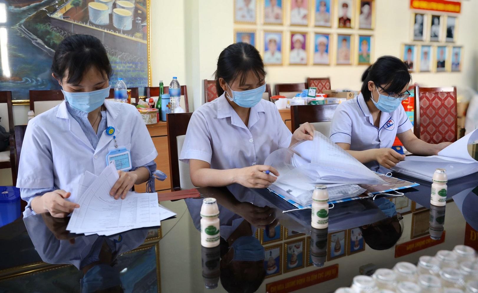 Công ty Cổ phần Sữa Việt Nam (Vinailk): Tiếp sức cho đội ngũ y tế tuyến đầu chống dịch Covid - 19 3