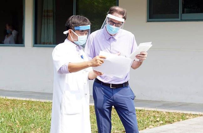 BN 49 trong ngày khỏi bệnh/ xuất viện, chuyển theo dõi sức khoẻ tại khu cách ly tập trung để cách ly 14 ngày theo quy định
