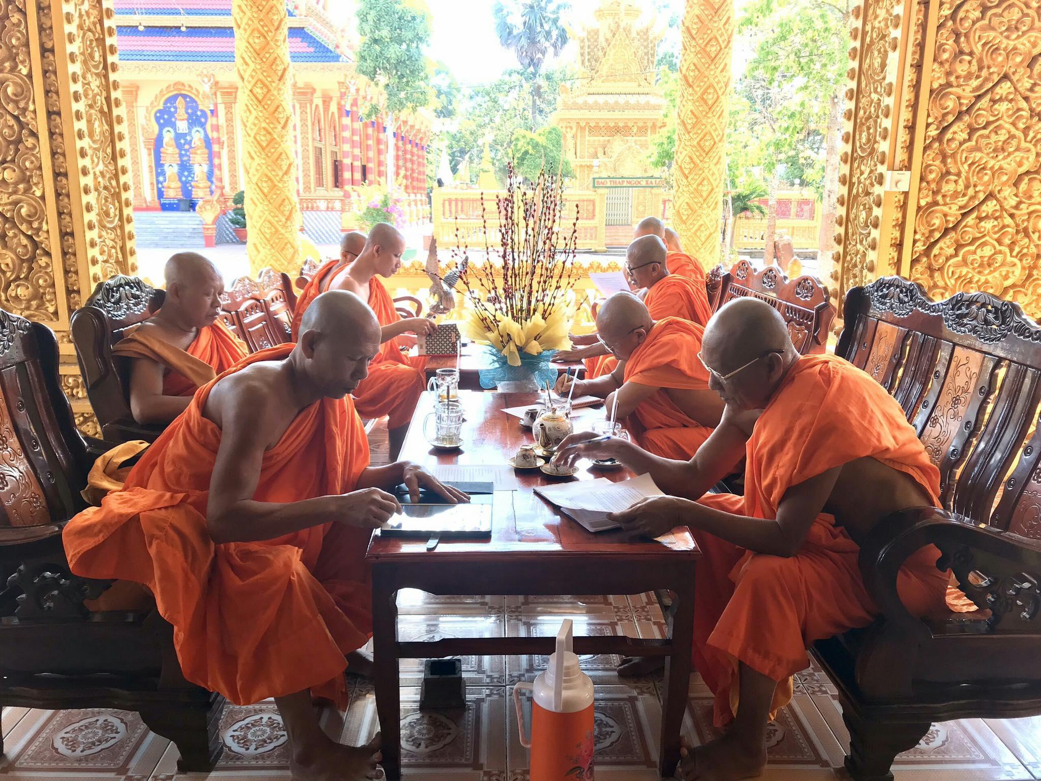 Thường trực Hội đoàn kết sư sãi yêu nước tỉnh Kiên Giang đã tiến hành họp để hướng dẫn tổ chức Đại lễ Phật đản 2020