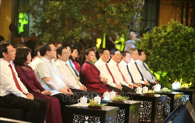 Lãnh đạo Đảng, Nhà nước dự cầu truyền hình tại đầu cầu Hà Nội. Ảnh: TTXVN