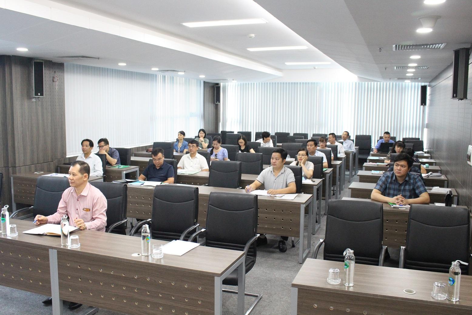 Các học viên tham gia lớp bồi dưỡng kiến thức công tác dân tộc