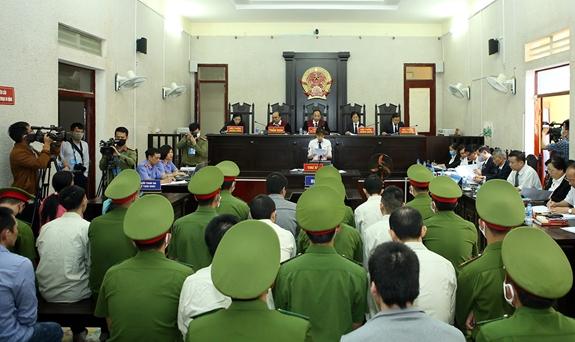 Tòa án Nhân dân tỉnh Điện Biên xét xử các đối tượng tuyên truyền, chống phá Nhà nước, xảy ra tại huyện Mường Nhé, tỉnh Điện Biên trong tháng 3/2020. (Ảnh: Báo Quân đội Nhân dân)