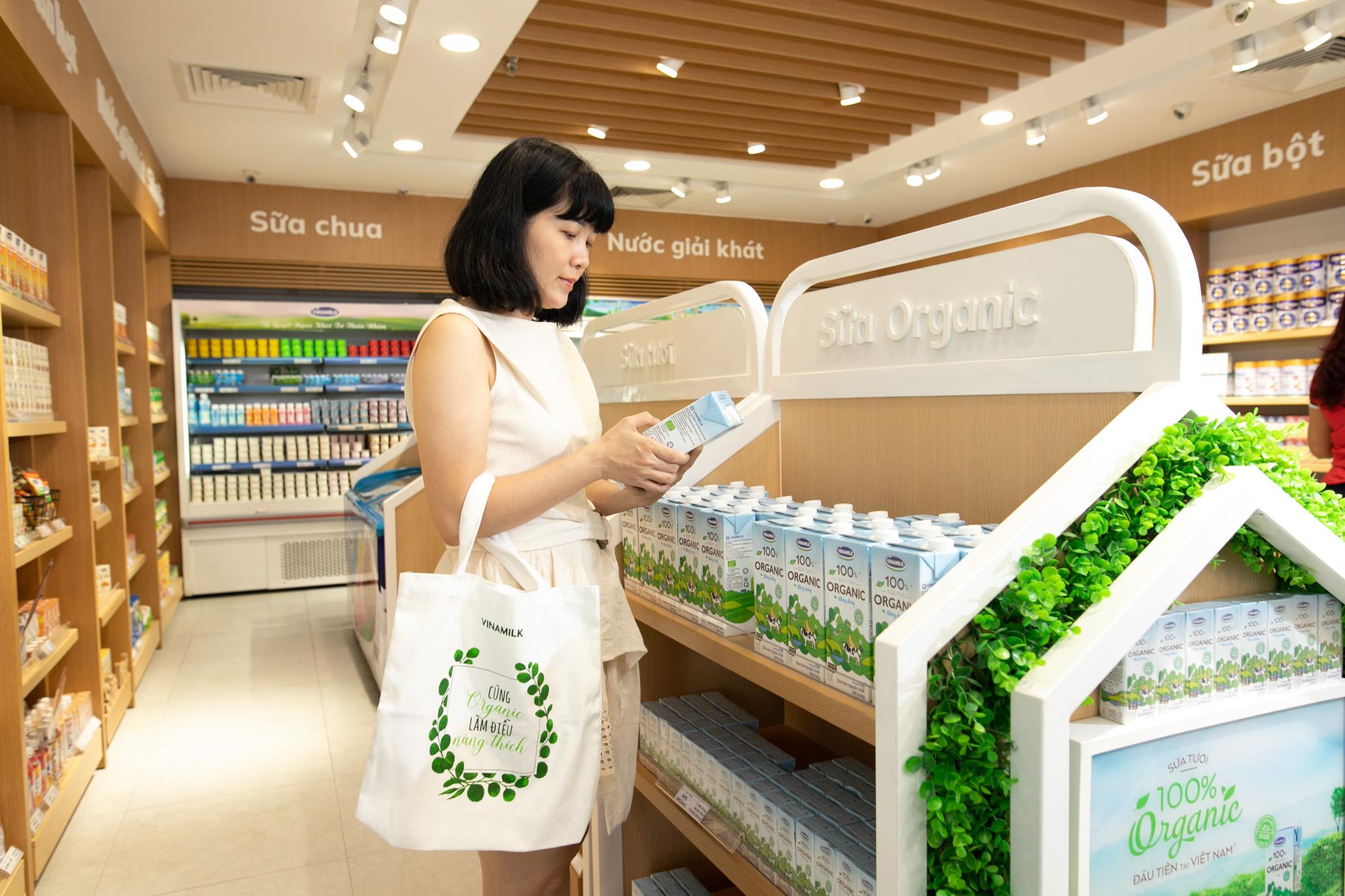 Vinamilk nhiều năm liền là thương hiệu sữa được chọn mua nhiều nhất Việt Nam nhờ chiến lược bám sát thị trường nội địa