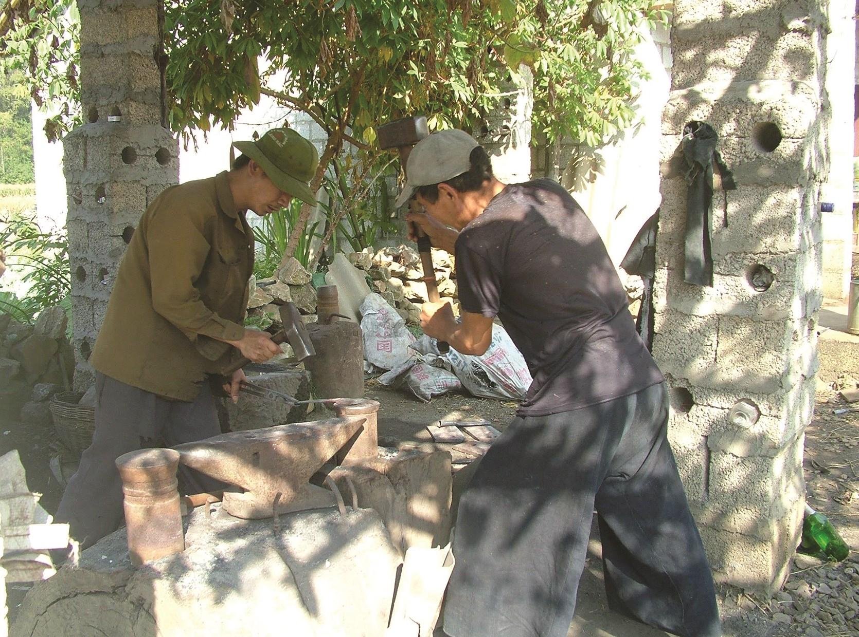 Nghề rèn Phúc Sen là một trong những làng nghề truyền thống của Cao Bằng đang có nguy cơ mai một