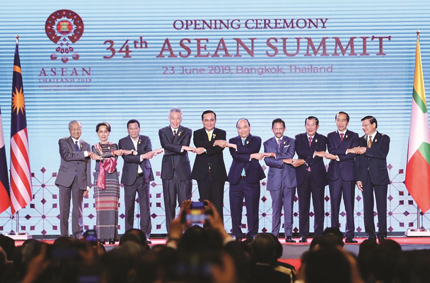 Lãnh đạo các nước thành viên ASEAN tại Hội nghị cấp cao ASEAN lần thứ 34 ở Bangkok