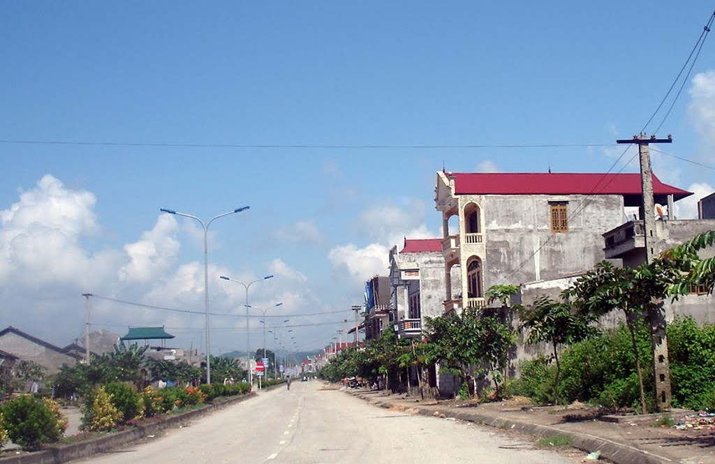 Đường từ trung tâm thị trấn Thất Khê, Tràng Định (Lạng Sơn) lên Đông Khê (Cao Bằng)
