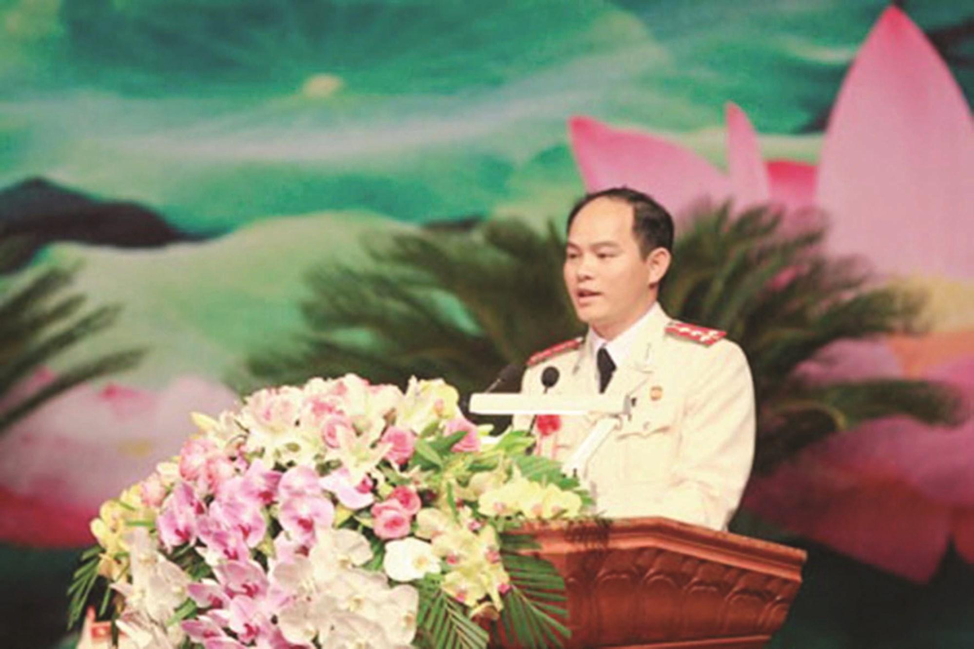 """Đại úy Sằn A Phật tại Đại hội Thi đua """"Vì an ninh Tổ quốc"""" toàn lực lượng Công an Nhân dân lần thứ VII."""