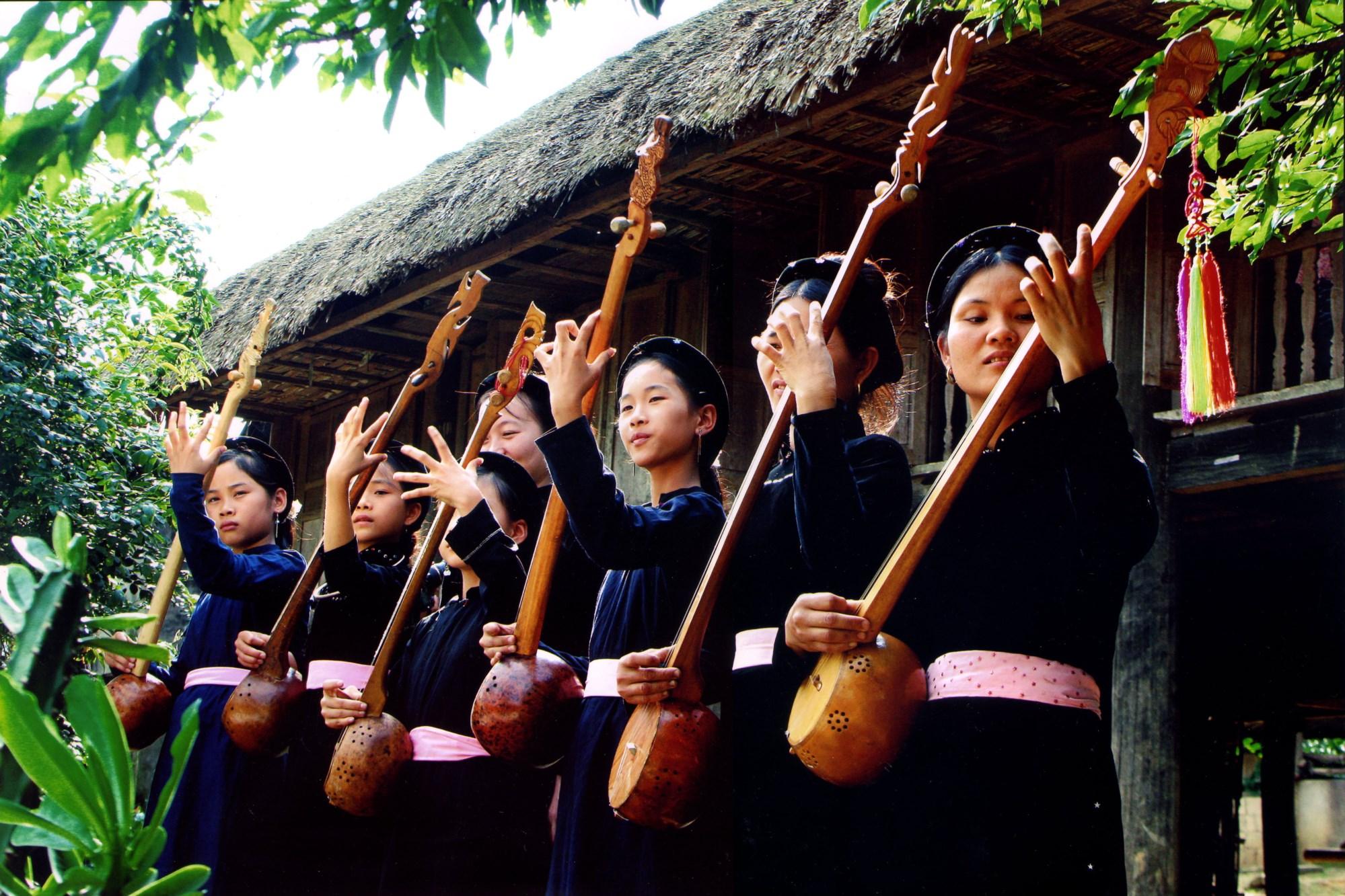 Thực hành Then của dân tộc Tày, Nùng, Thái Việt Nam được UNESCO công nhận là di sản văn hóa phi vật thể đại diện của nhân loại.