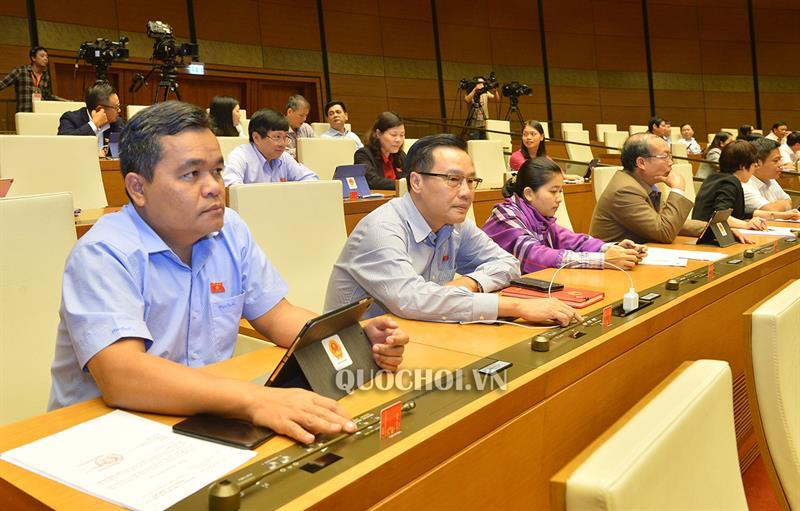 Đại biểu QH biểu quyết thông qua Nghị quyết phê duyệt Đề án Tổng thể phát triển kinh tế - xã hội vùng đồng bào DTTS và miền núi giai đoạn 2021-2030.