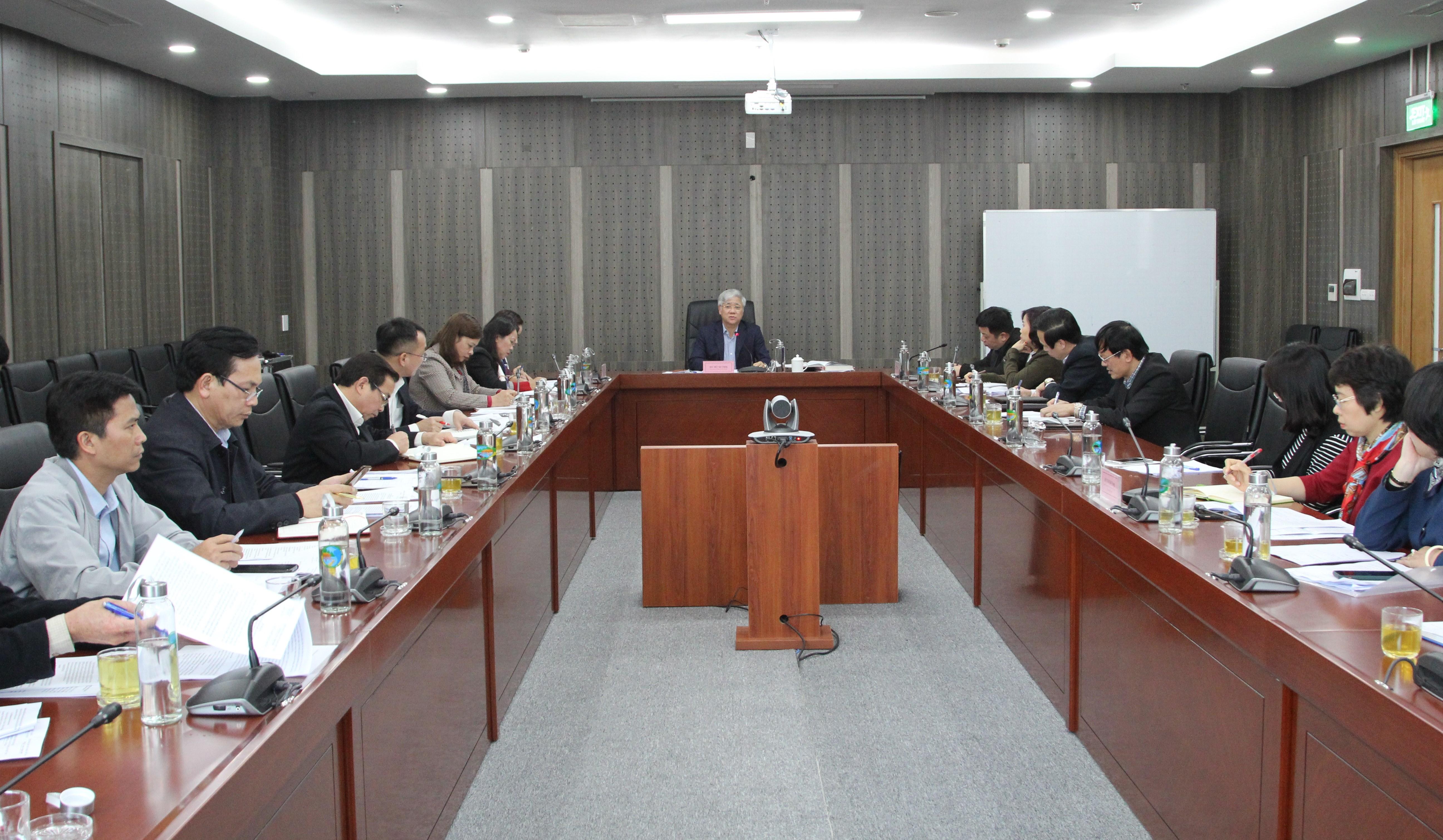 Bộ trưởng, Chủ nhiệm UBDT Đỗ Văn Chiến chủ trì buổi làm việc với Tiểu ban Tuyên truyền - Khánh tiết