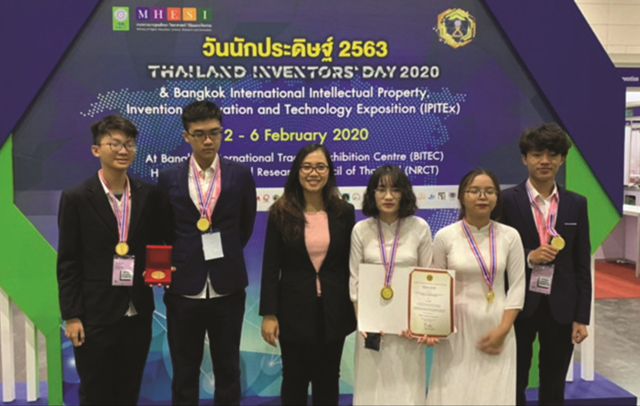 5 học sinh đoạt Giải vàng IPITEx và Giải đặc biệt từ INNOPA