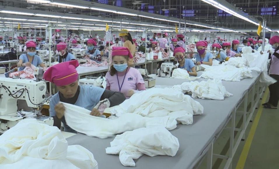 Nhiều thanh niên DTTS được làm việc trong các nhà máy, xí nghiệp tại Quảng Nam