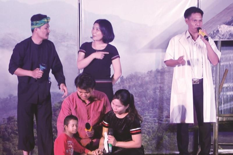 Một hoạt cảnh trong hội thi tuyên truyền về tảo hôn và hôn nhân cận huyết tại Quảng Ngãi