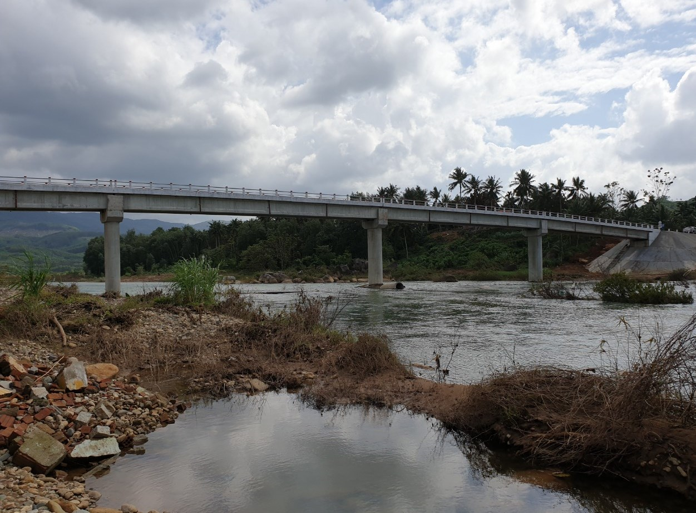 Cầu Thanh Sơn, xã An Tân, huyện An Lão (Bình Định) được Dự án LRAMP tài trợ vừa hoàn thành