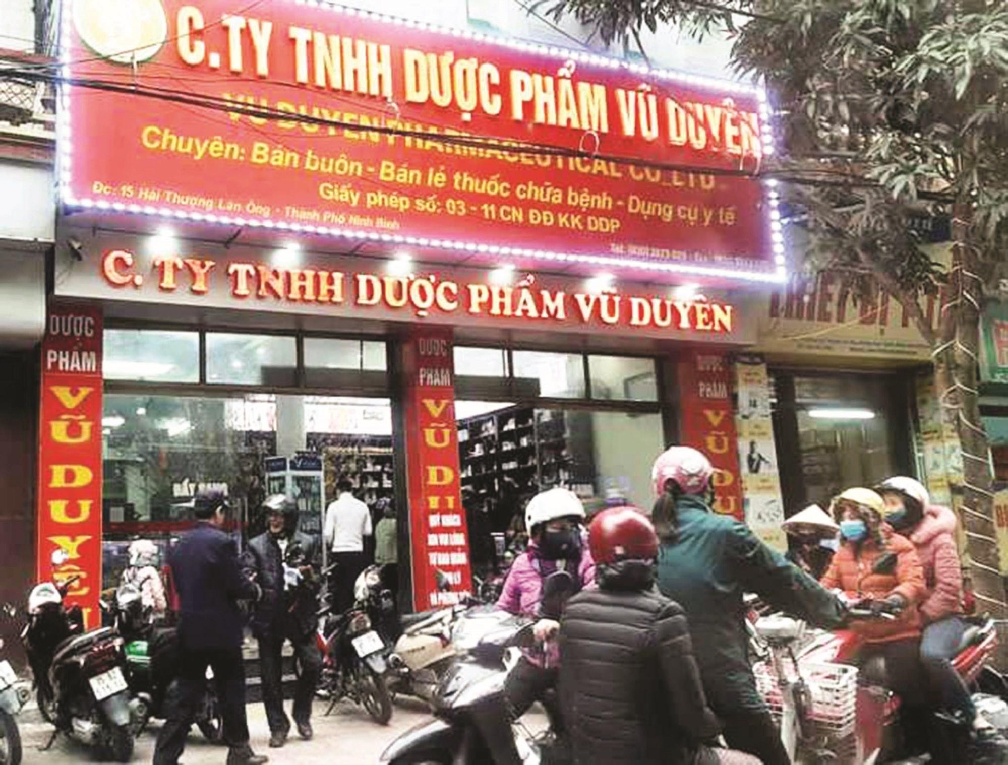 Công ty TNHH Dược phẩm Vũ Duyên bị phạt 15 triệu đồng vì tăng giá bán khẩu trang.