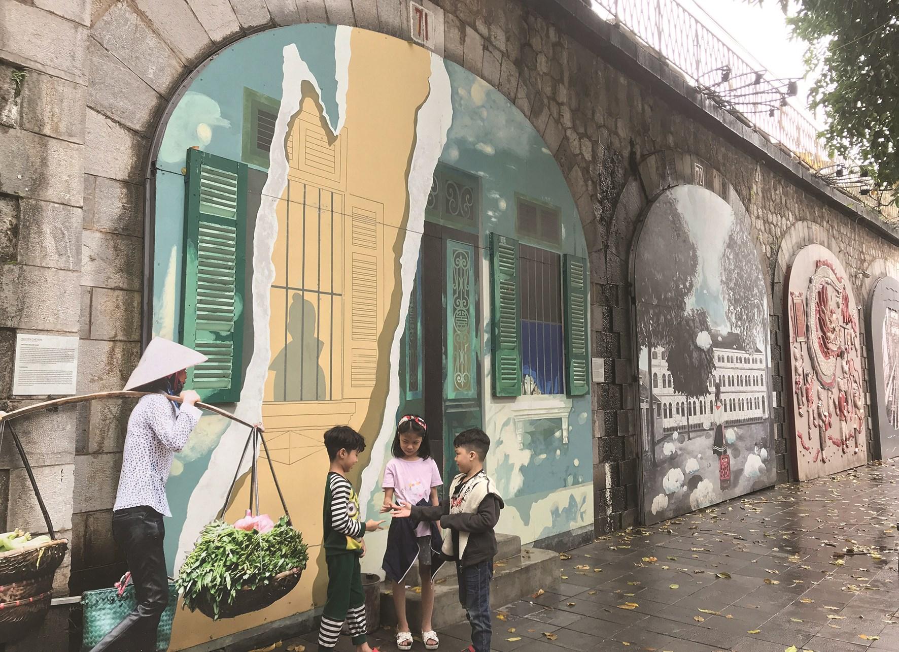 Phố Bích họa Phùng Hưng, Hà Nội là một không gian sống của nghệ thuật công cộng