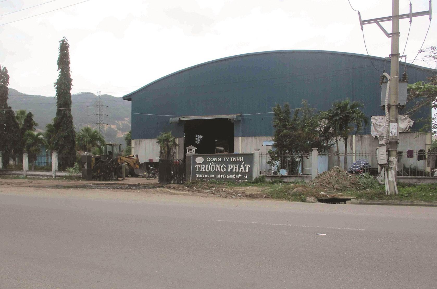 Công ty TNHH SX-TM Trường Phát sản xuất viên nén, một trong những đơn vị gây ô nhiễm môi trường, khiến người dân bức xúc