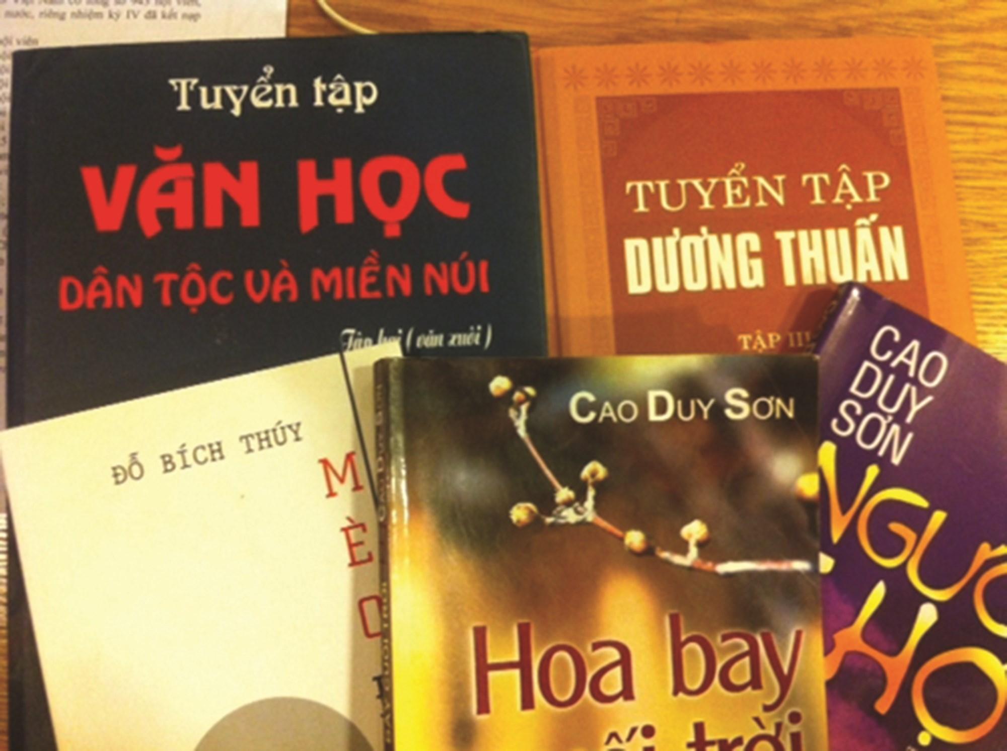 Một số tác phẩm văn học về đề tài các DTTS.