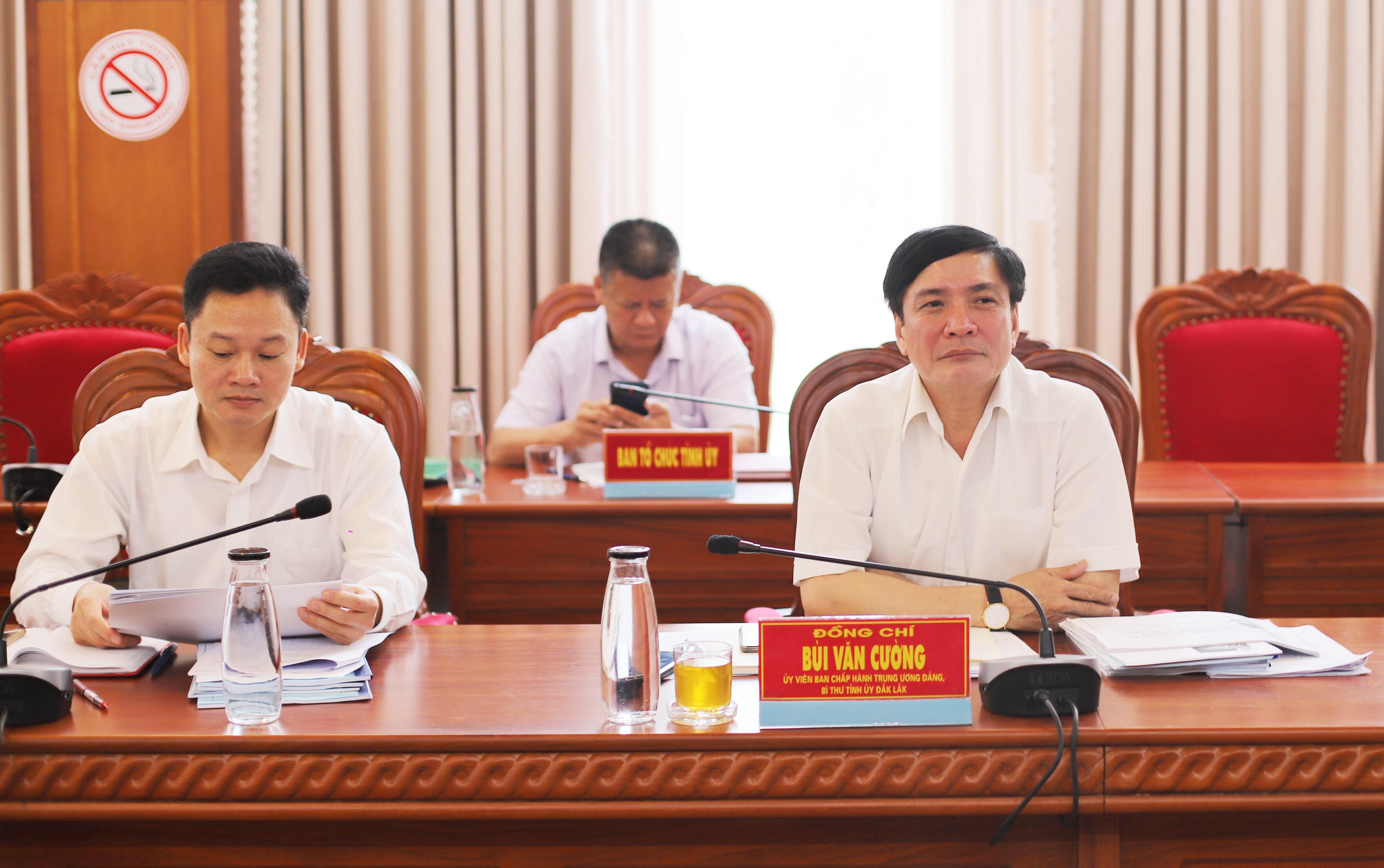 Ông Bùi Văn Cường Bí thư Tỉnh ủy Đăk Lăk chủ trì bảo vệ chương trình hành động của các ứng viên