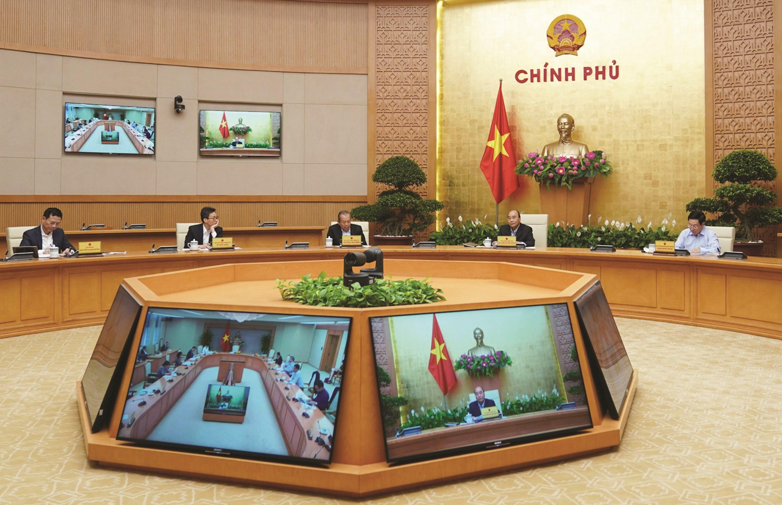 Thủ tướng Chính phủ Nguyễn Xuân Phúc chủ trì cuộc họp