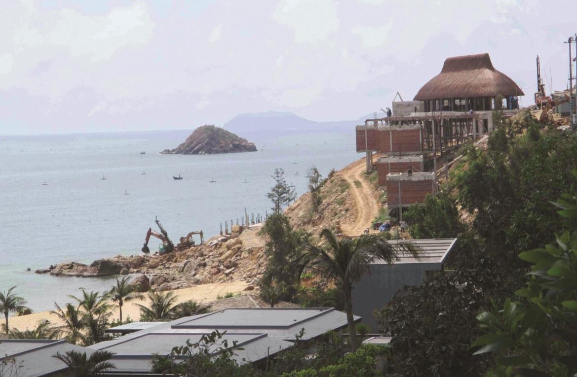 Khu du lịch nghỉ dưỡng Quy Nhơn Sea đổ đất lấn biển