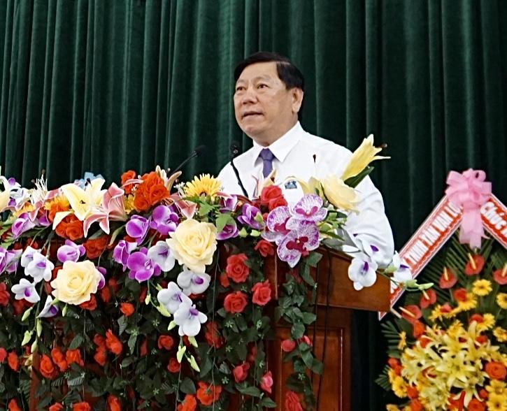 Đồng chí Trần Văn Rón, Ủy viên BCH Trung ương Đảng, Bí thư Tỉnh ủy phát biểu tại hội nghị rút kinh nghiệm