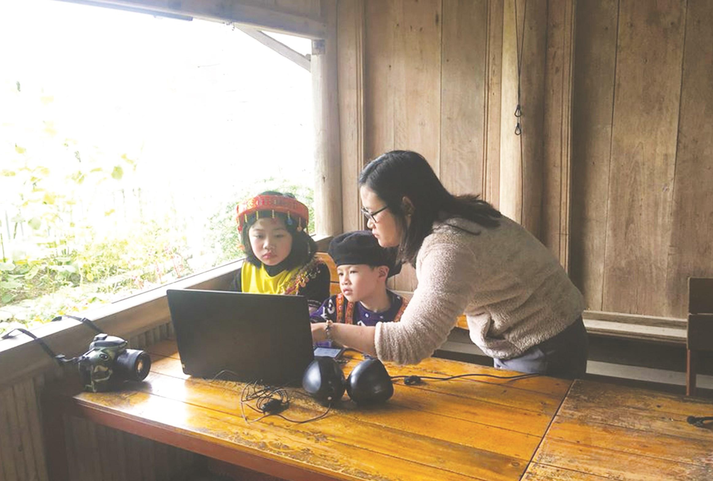 Cô giáo Hà Ánh Phượng tâm huyết với công tác giáo dục miền núi