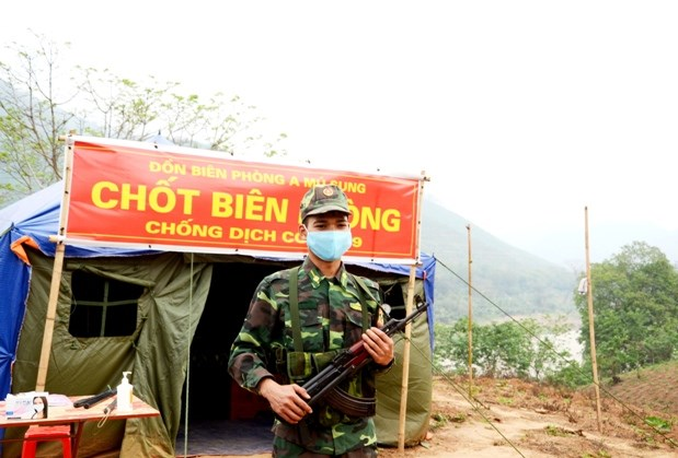 Thượng sỹ Lê Hoàng Phúc ở chốt chống dịch Cửa Suối