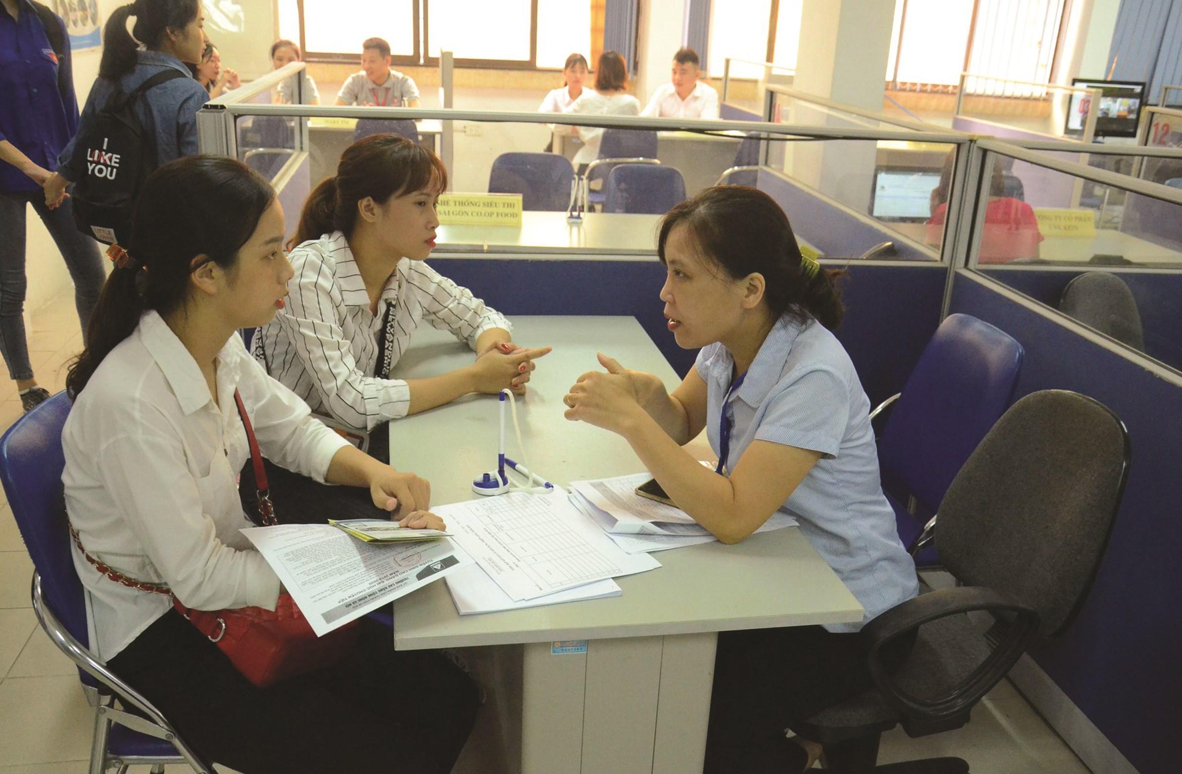 Hà Nội có hơn 12.000 người nộp hồ sơ đề nghị giải quyết chế độ trợ cấp thất nghiệp. (Ảnh tư liệu)