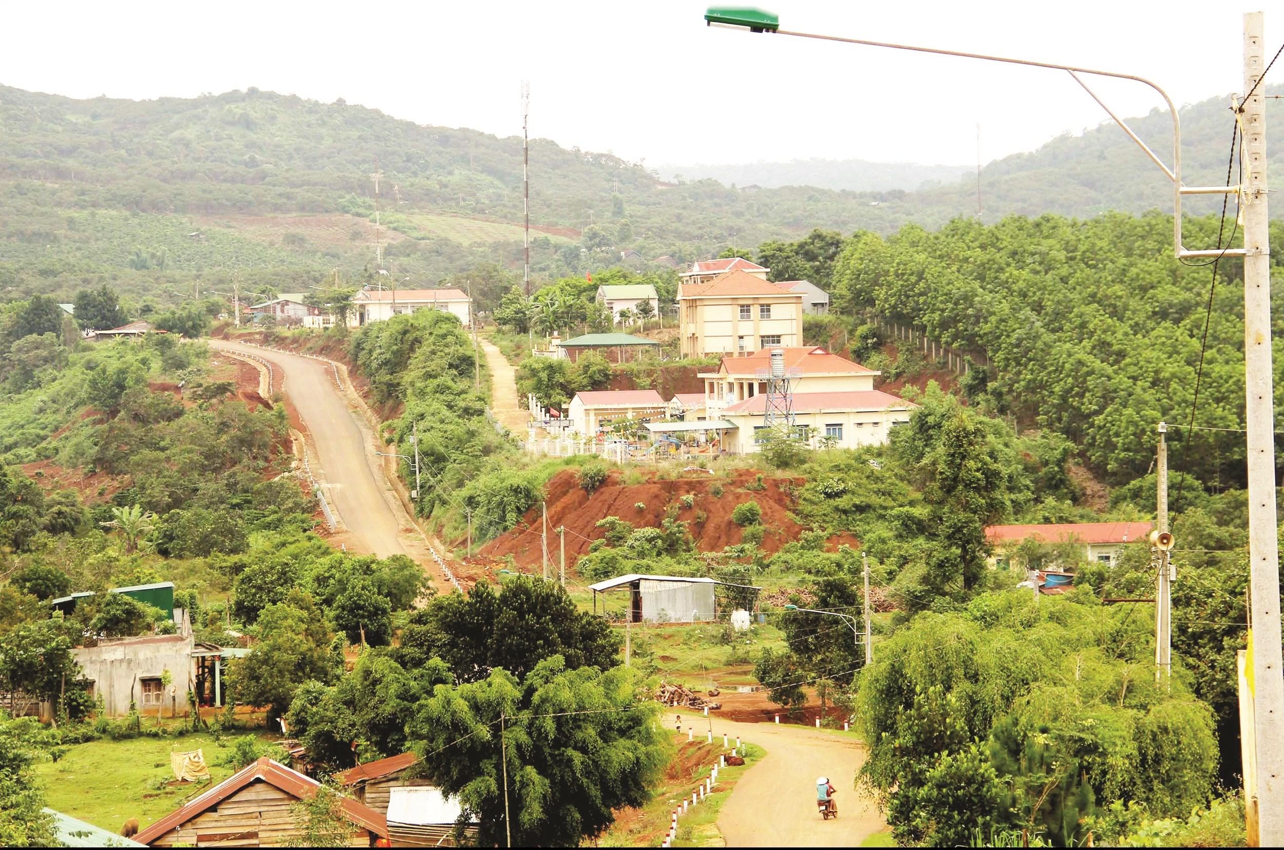 Một góc xã Đồng Nai Thượng, huyện Cát Tiên, tỉnh Lâm Đồng (Vùng căn cứ thuộc chiến khu D trong kháng chiến chống Mỹ) hôm nay.